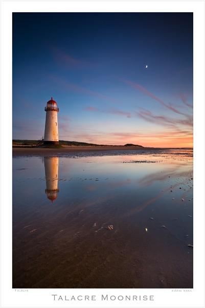 Talacre Moonrise by sherlob