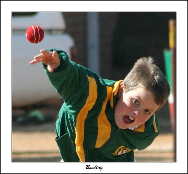 Bowling by Pieter_Kotzee