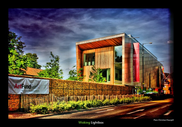 HDR Woking Lightbox by tonemapped