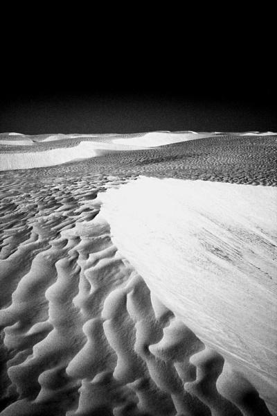 Sahara Darkness by LlesdnilLegin