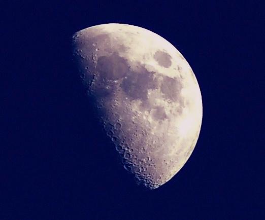 Moon Shot by DaveH64