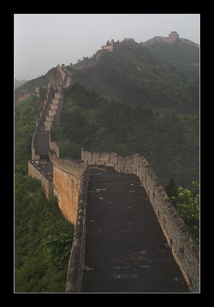 Great Wall - Sunrise by Skier