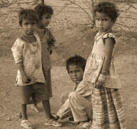 kids in a rajasthani village(nr pushkar), india by jairathore