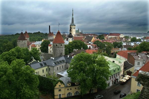 Old Town Tallin, Estonia by wheresjp