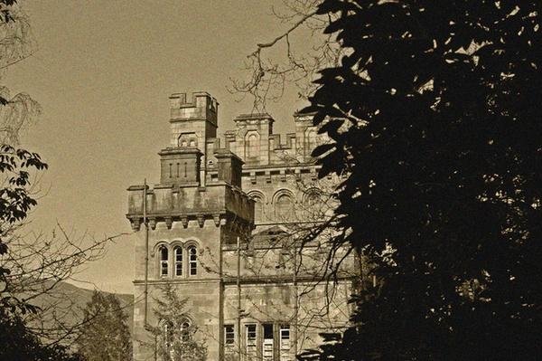 Lennox Castle Hospital by hmltnangel