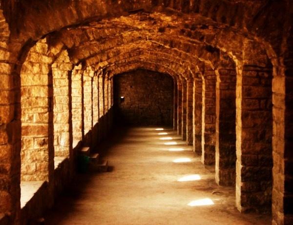 pathway in golkunda fort by jairathore
