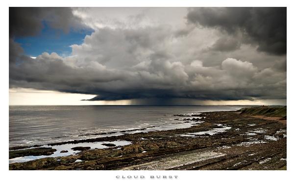 Cloud Burst ..... by chris-p