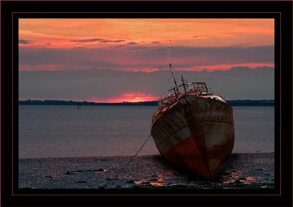 Roa Island Sunset by GrahamBaines