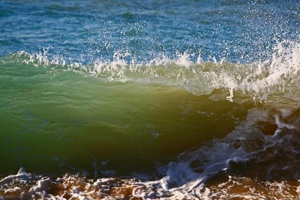 Shorebreak close-up by arhb