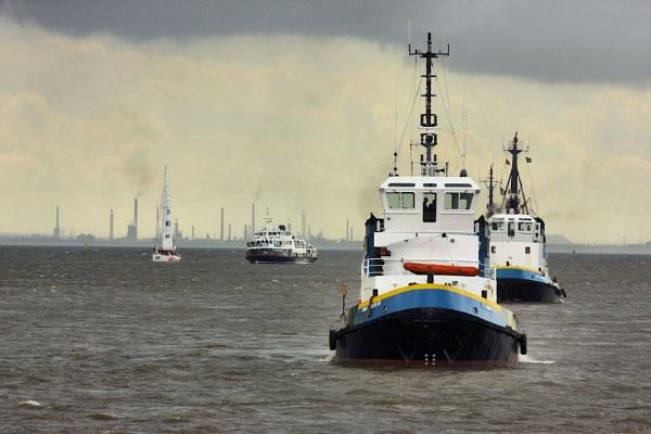 Clipper, Ferry, Tug by ITSJRW