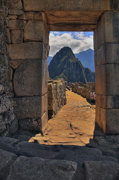 Machu Picchu - Gateway by jacekb