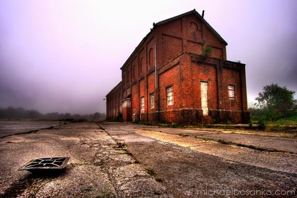 Abandoned factory - Merthyr Tydfil by yellowmunky