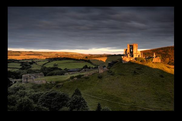 Light on the Corfe... by chris-p
