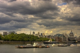 Clouds over Thames