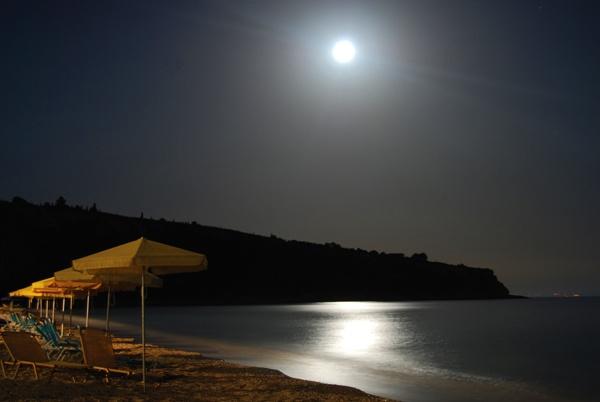 Moonlight Beach by SugarDJ