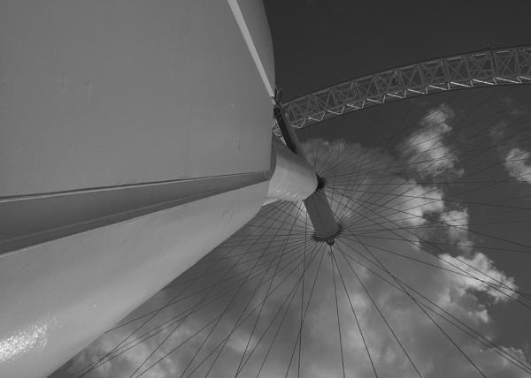 London Eye by jinstone