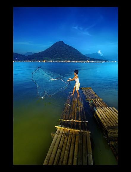 Lil fisherman by Rarindra