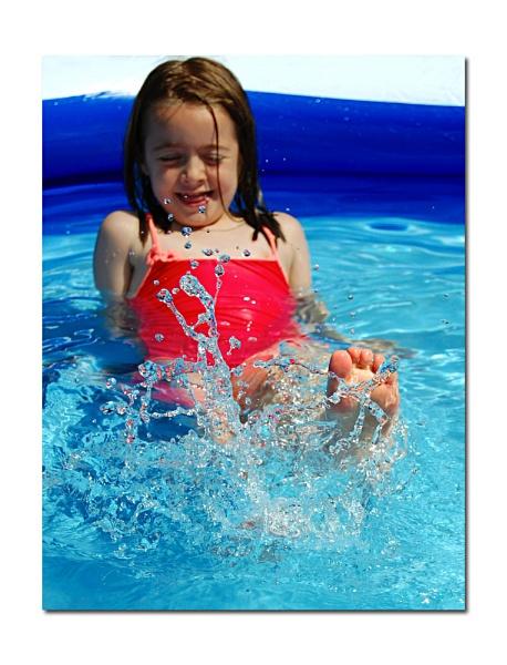 Splash! by Shutterbybaby