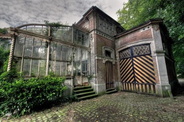 Abandonned Orangerie by PeterK001