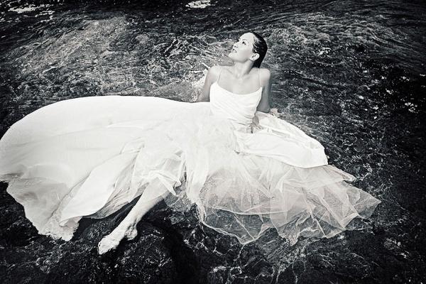 Bride in the Ocean by shellby