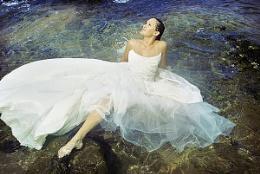colour Version - Bride in the Ocean