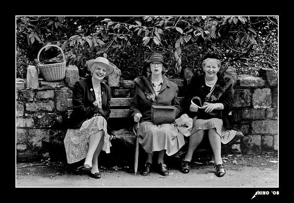 Wartime girls by Rhino