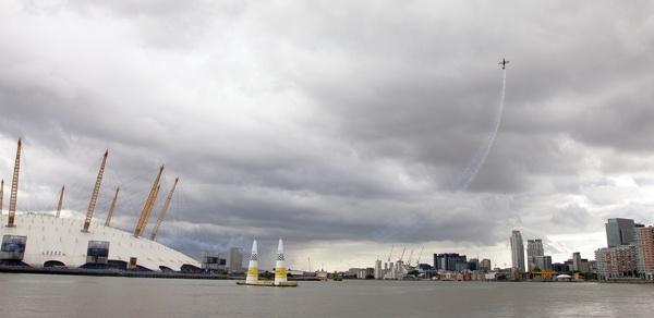 Red Bull Air Race London 2008 by DarrenChaplin