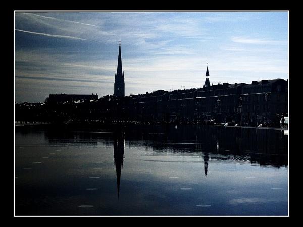 Downtown reflection by sputnki