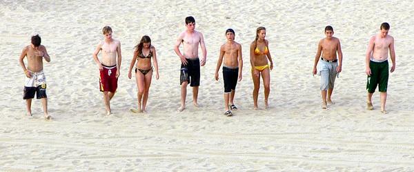 Kids on the Beach by carmenfuchs
