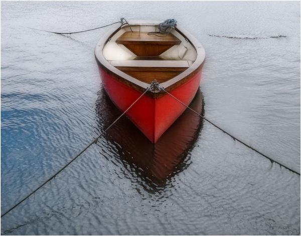 Red Boat #2 by RockArea