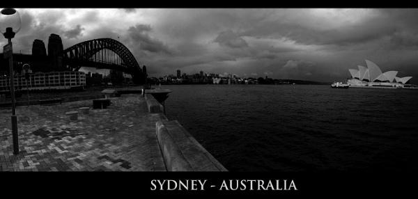 Sydney B&W by davidsaenzchan