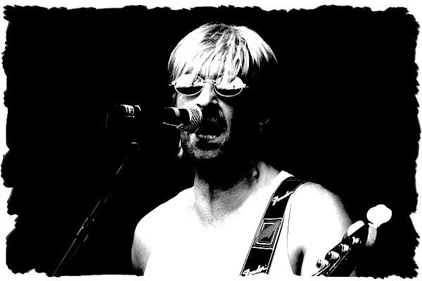 Lead singer by PaulSR