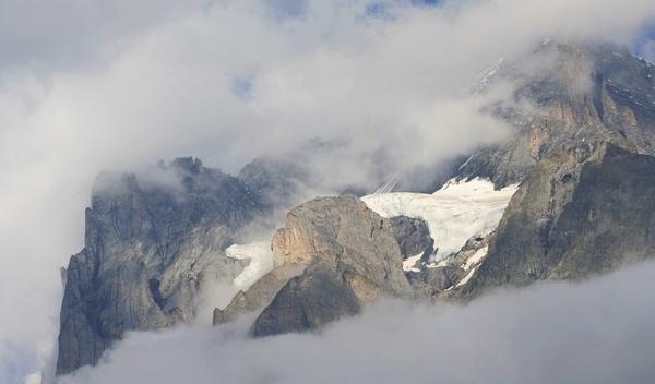 Misty Peaks by SimPick