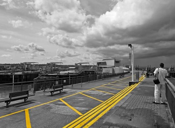 Yellow line 2 by franken