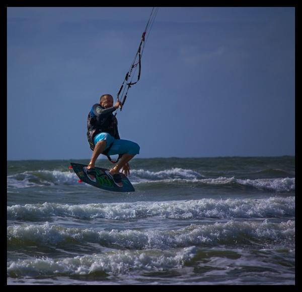 Kite surfer by Nighteyes001