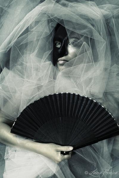 Phantom by LauraFerreira
