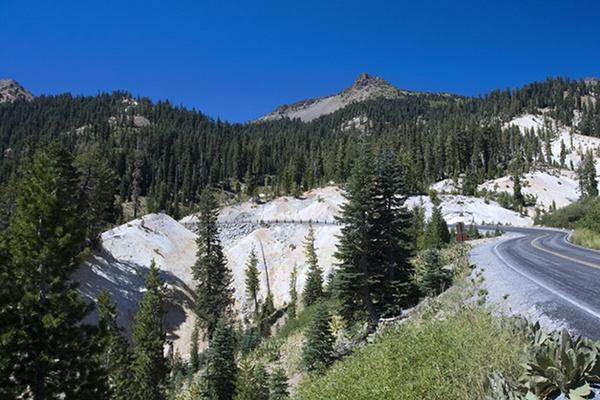 Mount Lassen by liparig