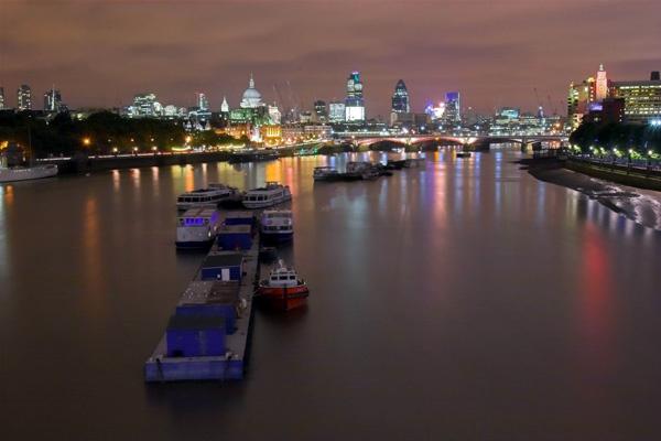 Thames at Night by EeeZeeLee