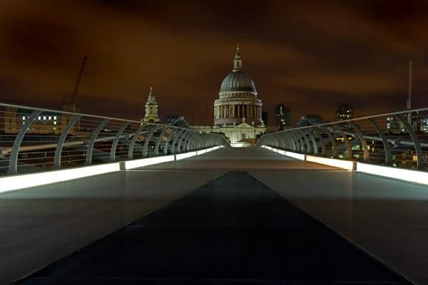 Millenium Bridge II by EeeZeeLee