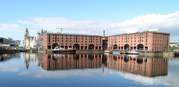 Reflections at Liverpool by Bowline