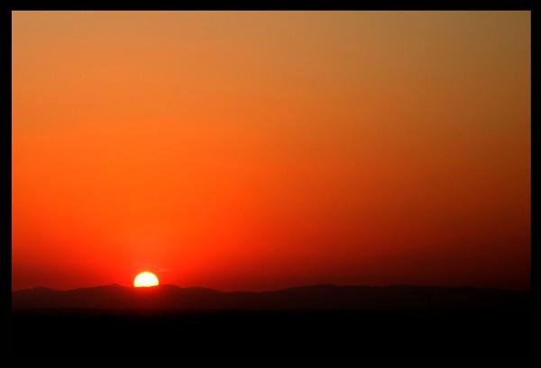 Sunset Glow by LizzieN
