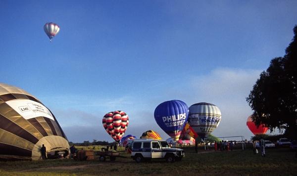 Balloon Festival by jinstone
