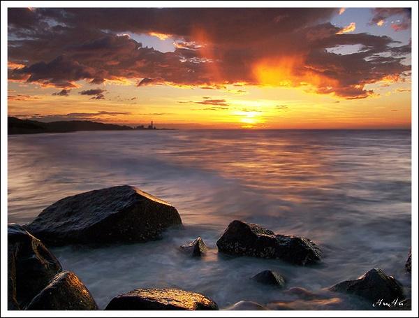 at dusk by HuHuLin