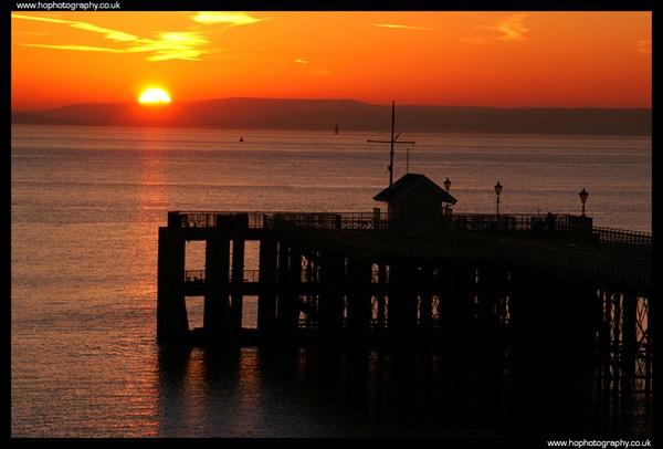 Penarth Pier Sun by hophotography
