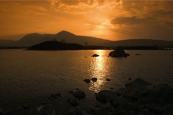 Lochan sunset by carrot_heid