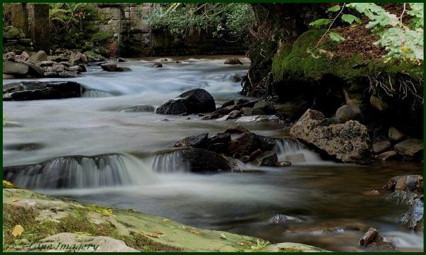 Ynysybwl river by Mikelane