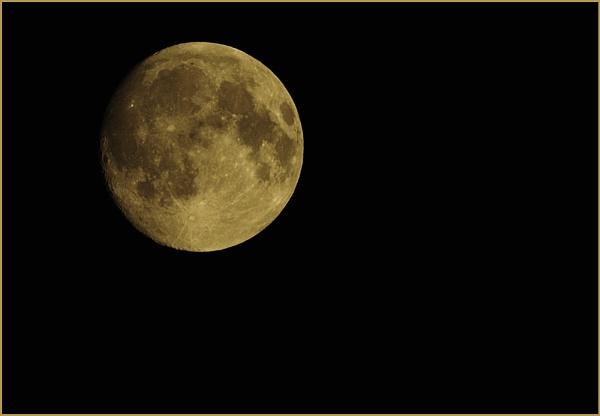 Autumn Moon by Ian Hunter