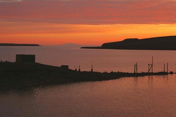 Midnight sun in Iceland by agustjons