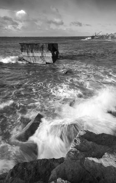 Crashing Waves by nickthompson
