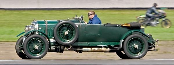 Bentley Racing by teocali
